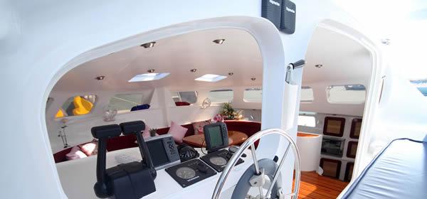 Catamaran Amadeus