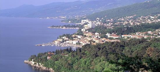 Vista elevada de Opatija