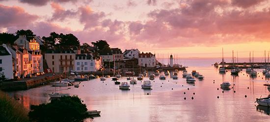 Pequeño puerto idílico, Bretaña