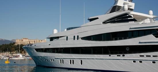 Mega Yacht de Antibes