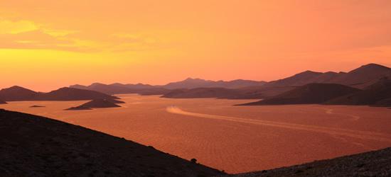 Puesta de sol impresionante, la región de Kornati