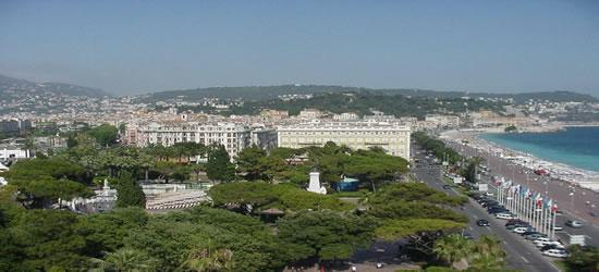 Vista elevada de Cannes