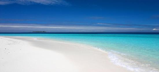 Arena, mar y cielo Seychelles