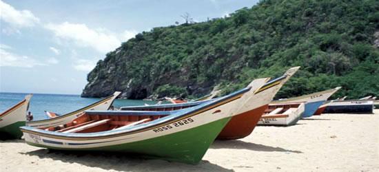Barcos de pesca locales