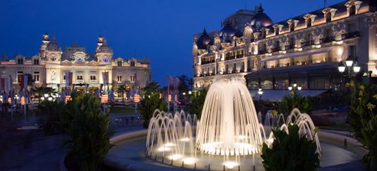 Fuentes al atardecer, Plaza del Casino