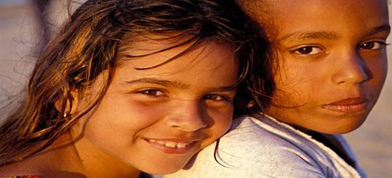Niños en la playa de Guanabo