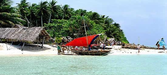 Isla paradisíaca en la costa de Nueva Guínea
