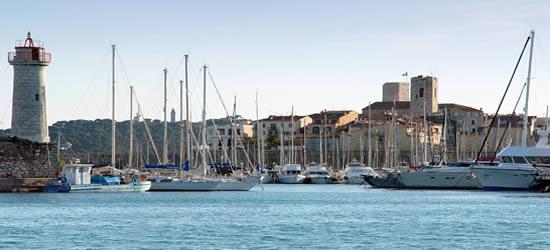 Entrada al puerto de Antibes