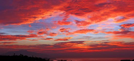Bajo un cielo rojo sangre, Marbella