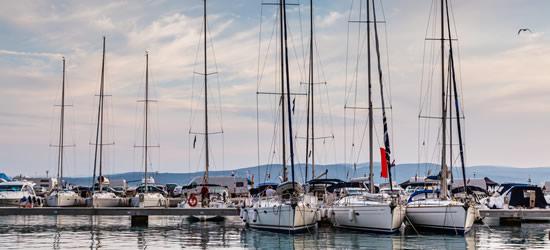 El puerto de Baska Voda