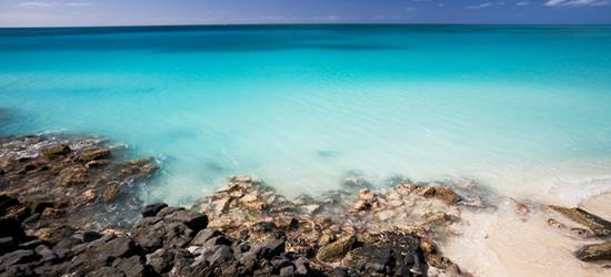 Agua en tonos turquesa, Antigüa