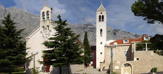 Las dos iglesias famosas de Baska Voda
