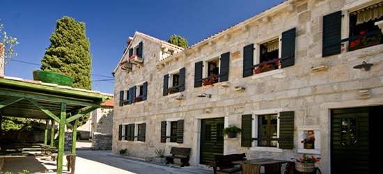 El casco antiguo de Sukosan, Croacia