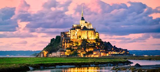 Mont Saint Michel al atardecer
