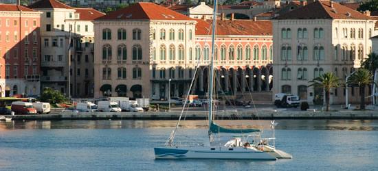 El puerto de Split, Croacia