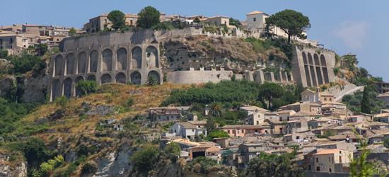 Gerace una pequeña aldea bastante cerca de Reggio Calabria
