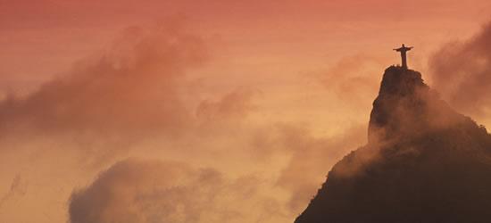 Puesta de sol de oro, Río