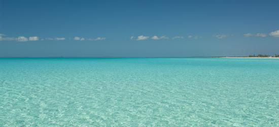 Aguas poco profundas de las Islas Turcas y Caicos