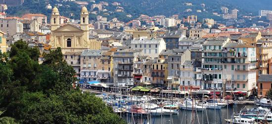 Vista elevada de Bastia, Córcega